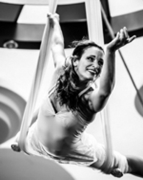 """Berliner Runde"" - Acrobatic - Show act at TissueTrapeze + Silks from SOLAIR"