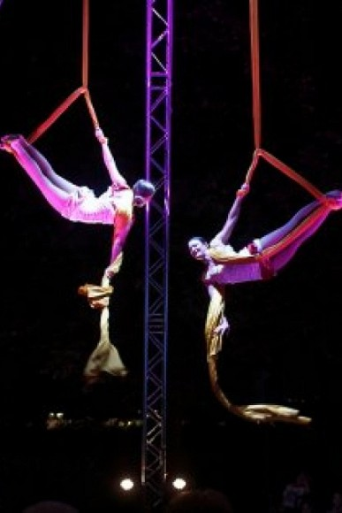 therme_erding_aerial_silks_duet_variety_performance_arts_come_to_the_people_